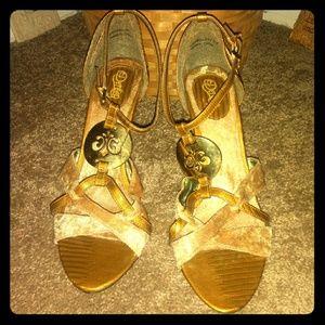 House of Dereon 4inch heels